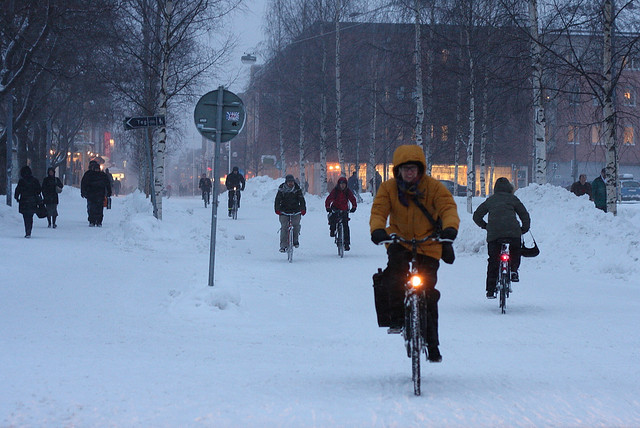 Winter-Cycling-in-Umeaa-Sweden-MaximeF.j