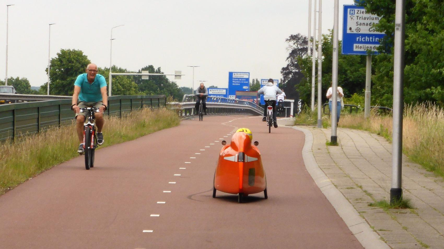Bridge over the Maas-Waal canal. Low barrier between the carriageway and the cycling path reduces the noise from cars, but does not affect negatively social safety.