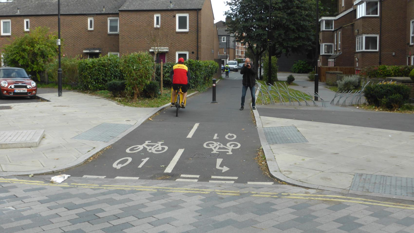 Quietway 1: Rothsay Street is a dead end for cars, but a cycling path connects it to the crossing of Law and Weston St.