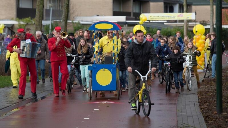 Opening party of the cycle highway near the school De Hoeven in 2015.