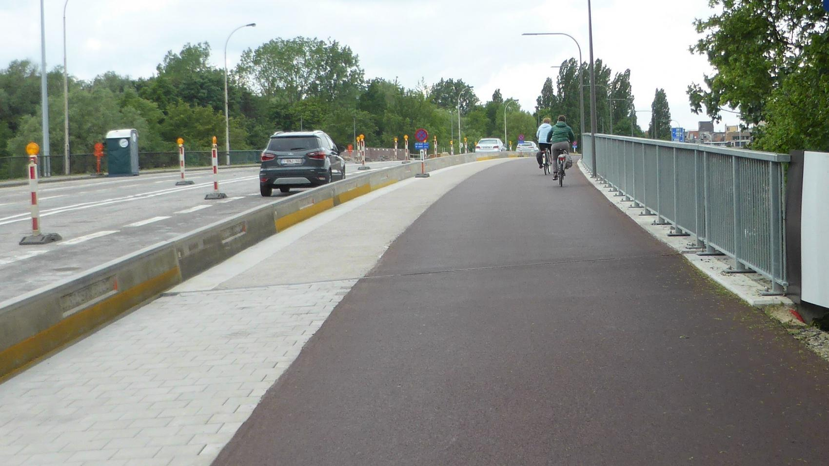 The same section now, upgraded to bidirectional cycle path at the expense of parking places